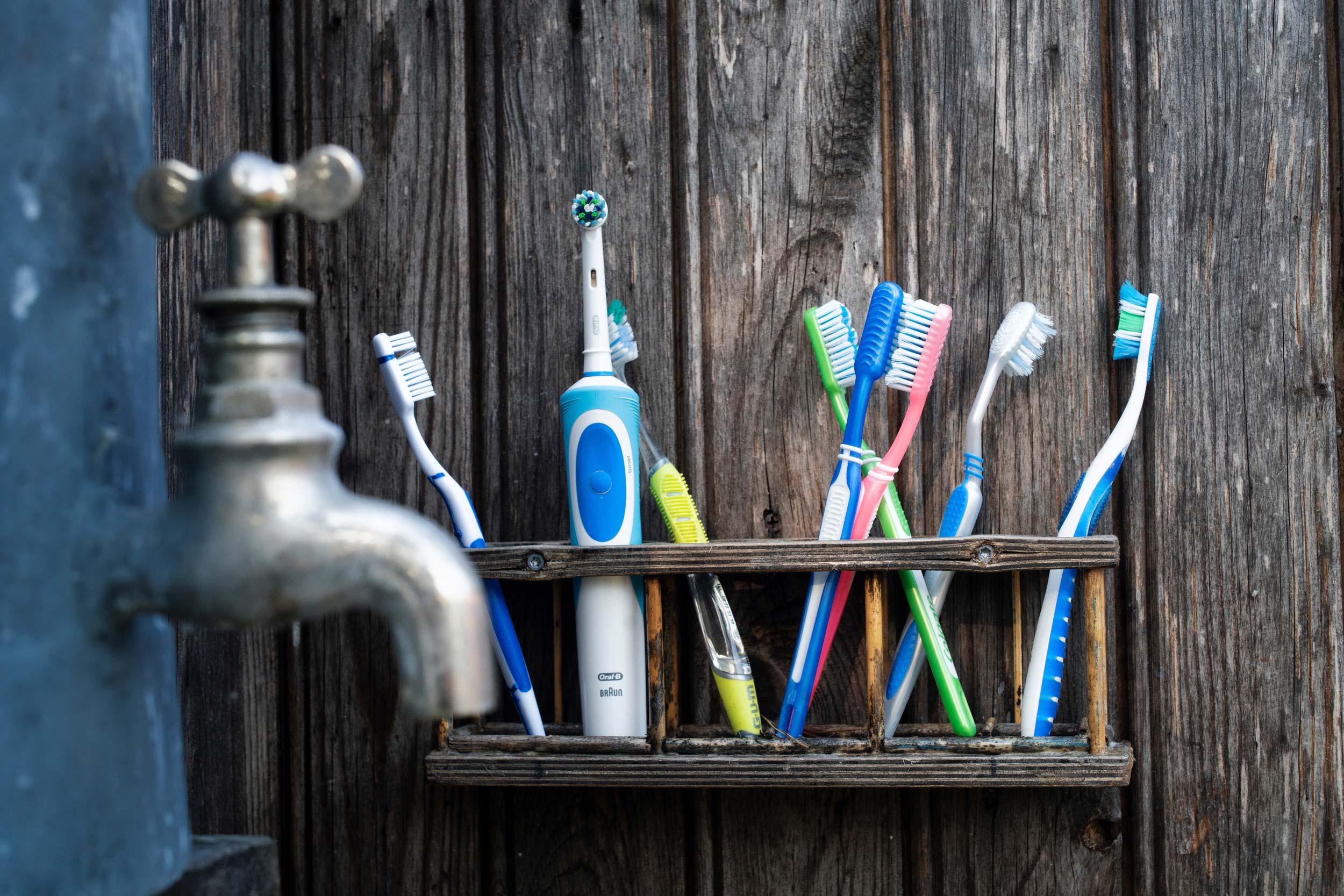 Was die optimale Zahnbürste leisten muss erklärt Dr. med. dent. Nicole Wagner