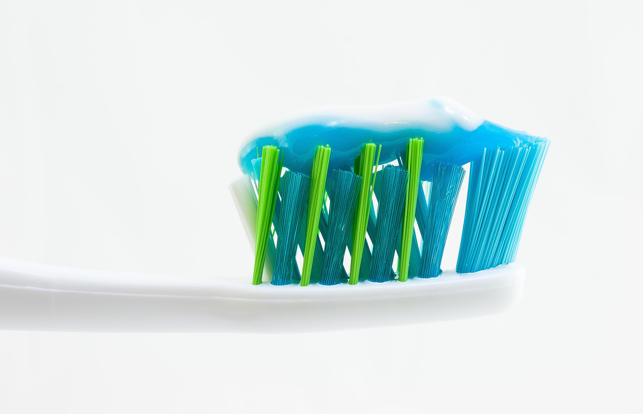 Die optimale Zahnpasta laut Dr. med. dent. Nicole Wagner